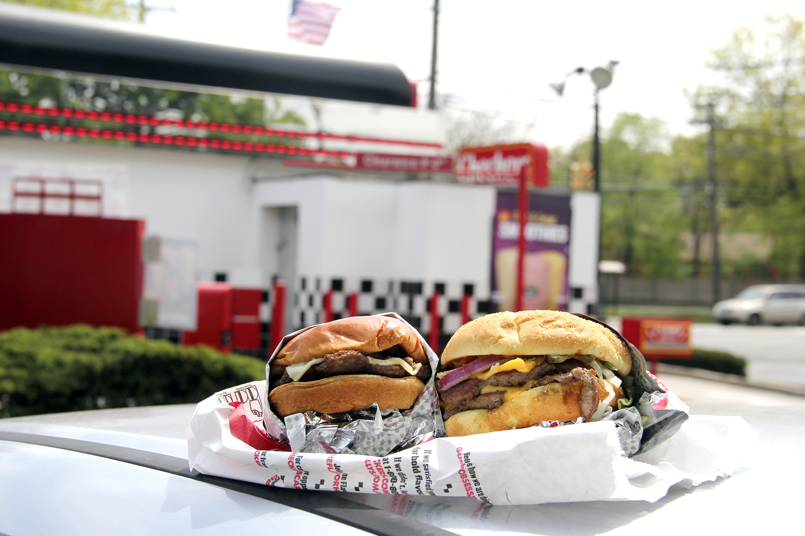 Dining_BurgerDrive_052516_CheckersA